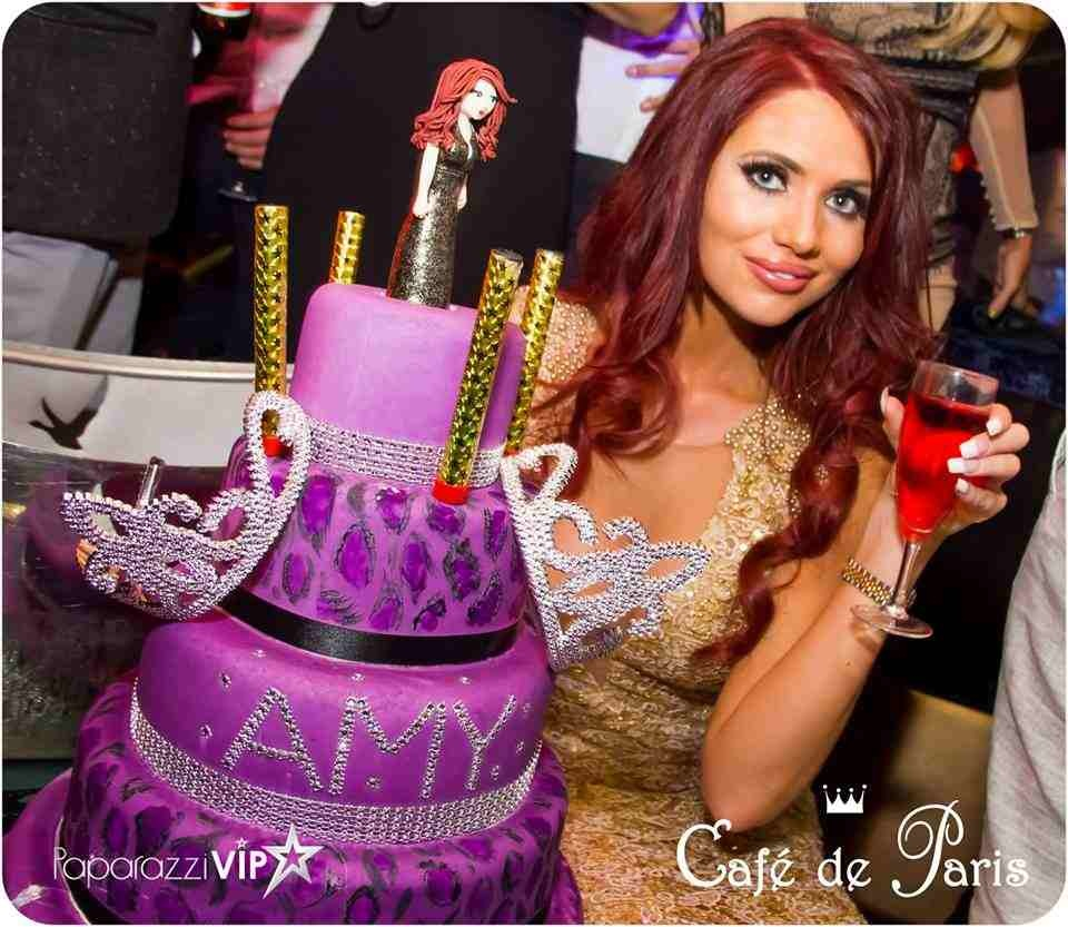 Award Winning - Cakes by Shelly!! Celebrities love her, we love her!!  | Ultimate Wedding Magazine 1