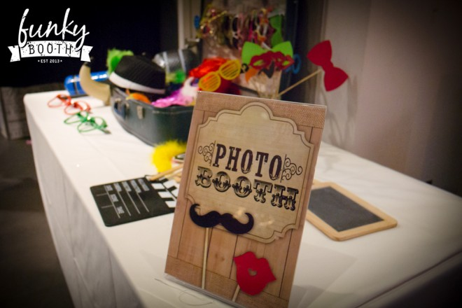 Photbooth_sign&props