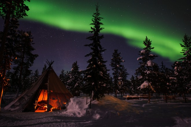 Northern Lights | Mini moon In Sweden | Ultimate Wedding Magazine