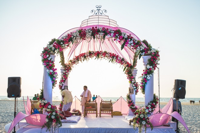 Beach Wedding   Indian wedding in Goa   Nishit Parmar   Ultimate Wedding Magazine