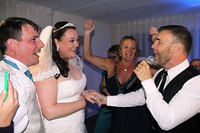 Gary Barlow Wedding01
