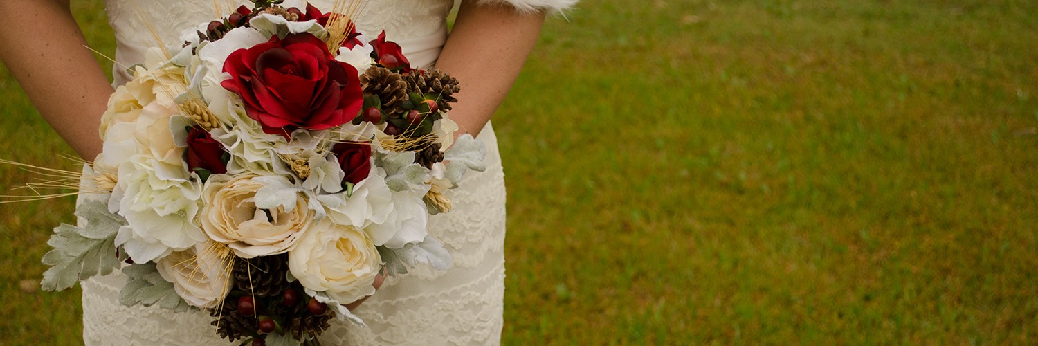 Winter bouquet   Christmas Chic   Fancy This Photography   Ultimate Wedding Magazine