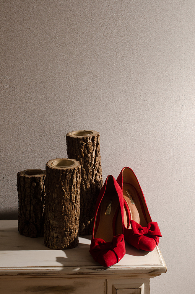 Red bridal shoes | Christmas Chic | Fancy This Photography | Ultimate Wedding Magazine