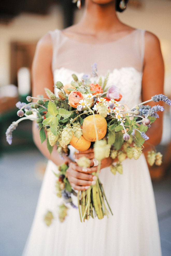 Organic bridal bouquet | Farm Fresh Style Wedding in Utah | Gideon Photography | Ultimate Wedding Magazine