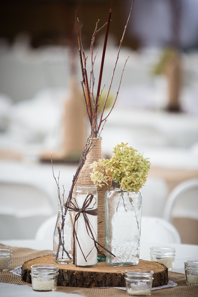 Rustic Centrepiece | Barn Wedding in Ohio | Photos by Yvonne