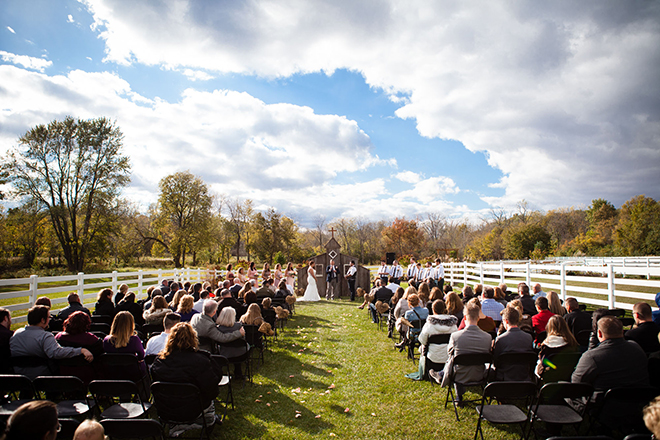 Outdoor ceremony | Barn Wedding in Ohio | Photos by Yvonne
