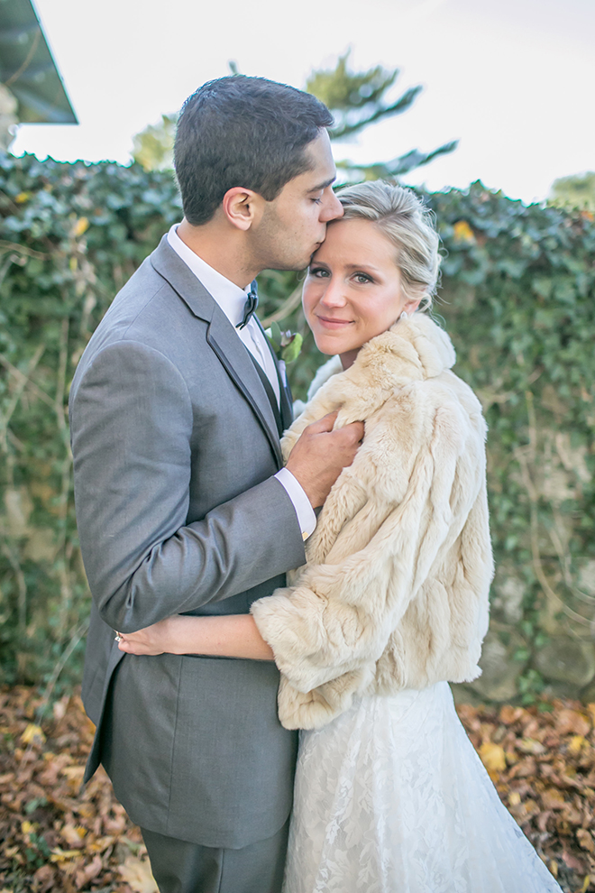 Bride and Groom hugging outside in the cold | Fall Wedding in Connecticut | Lillie Fortino Photography