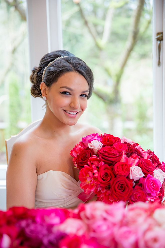 Bride holding pink bouquet | Ombre Pink | Joanna Moss Photography