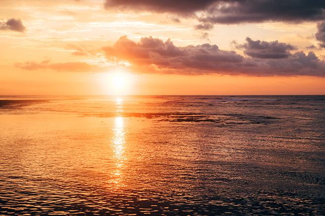 Sunrise in BaliBalinese Beach Surf Elopement | Emily & Steve Photography