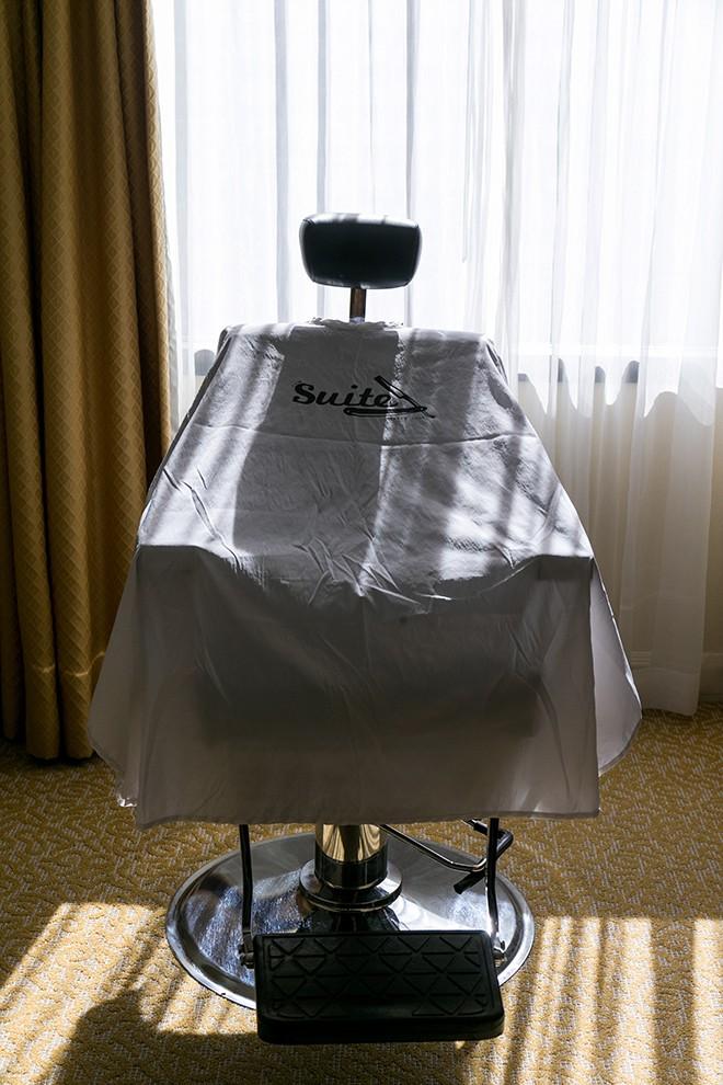 Barber chair | Grooming the groom | Michael Bennett Kress Photography