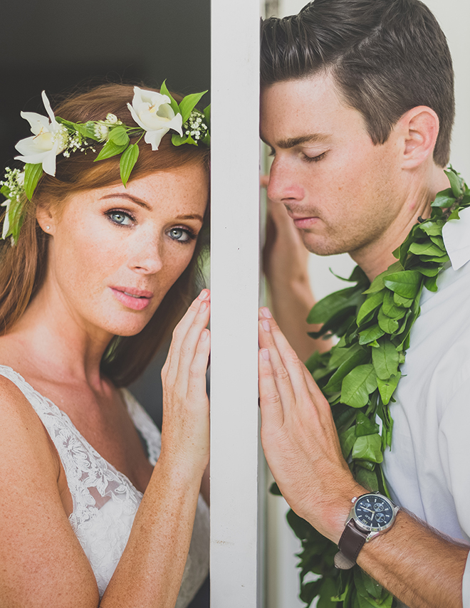 Bride and Groom standing together | Paradise in Hawaii | Jenna Lee Pictures