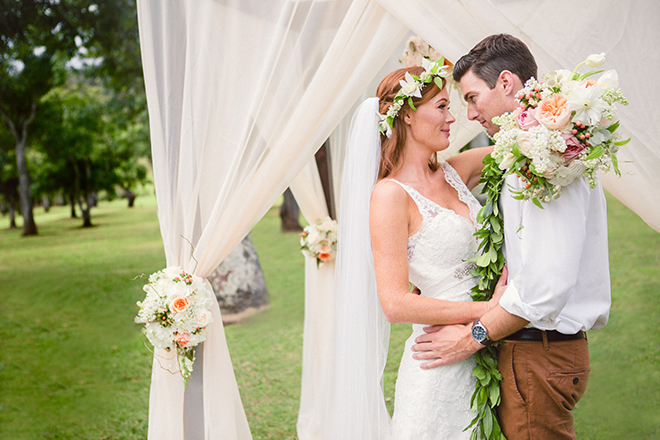 Bride and groom standing outside | Paradise in Hawaii | Jenna Lee Pictures