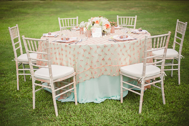 Pink wedding table theme | Paradise in Hawaii | Jenna Lee Pictures