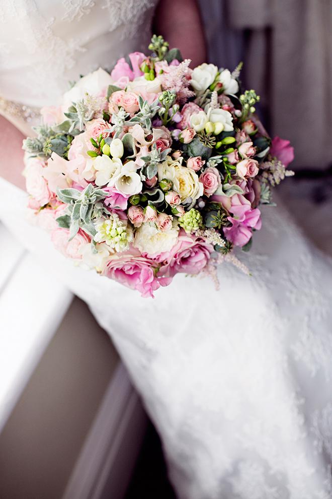 Pink wedding flowers | Pantone Wedding Colours | Teresa C Photography