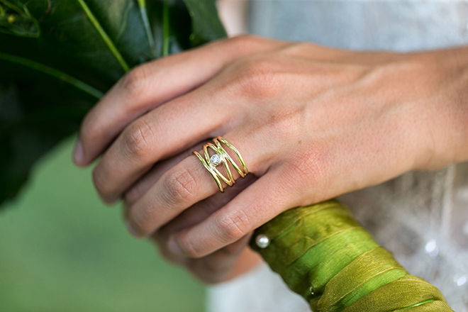 Gold modern wedding ring | Whimsical Rustic Bride | Michael Bennett Kress Photography