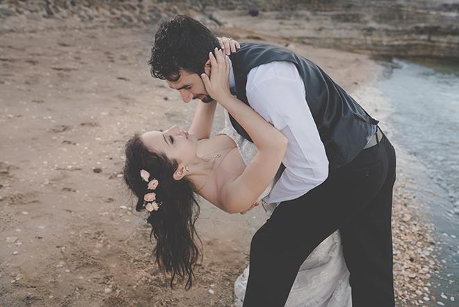 Bride and Groom on beach | Rose Garden Beach Wedding | Levien and Lens Photography