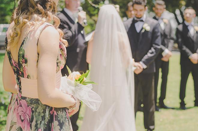Wedding ceremony outdoor | Rose Garden Beach Wedding | Levien and Lens Photography
