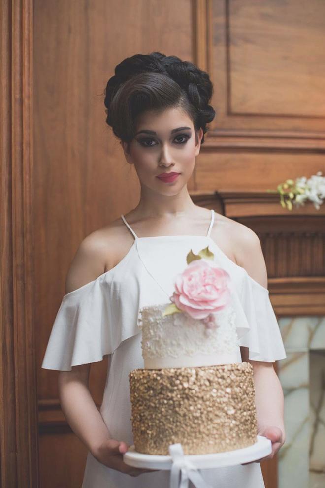 Juniper Cakery Wedding Cake | City Chic | Zoe Ann Photography