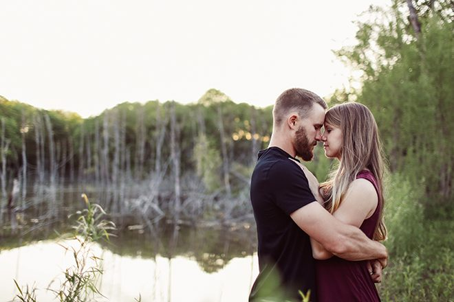Couple in love at the lake | Modern Country Engagement | Brandy Swartz Photography
