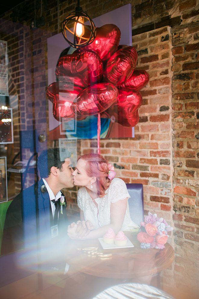Bride and groom kissing | Sweet Heart Elopement | Refine & Foster Photography