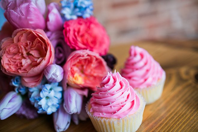 The Sweet Palette cupcakes | Sweet Heart Elopement | Refine & Foster Photography