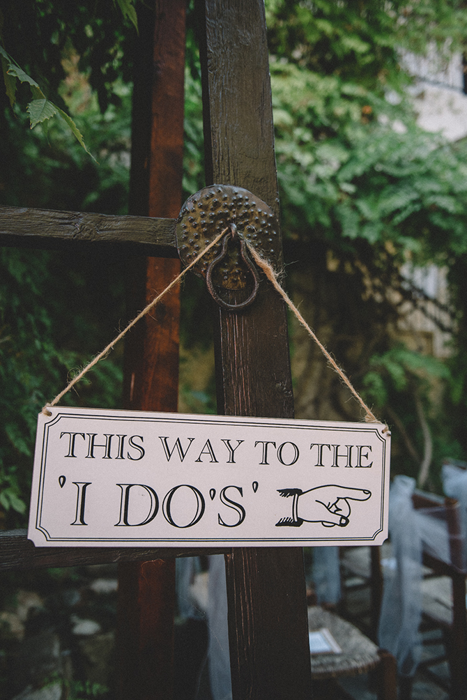 Wedding sign | Rustic Wedding in Cyprus | Christodoulou Photography