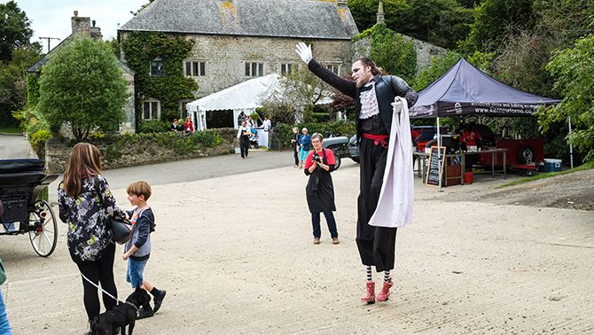 a-most-marvellous-wedding-experience-cornwall-02