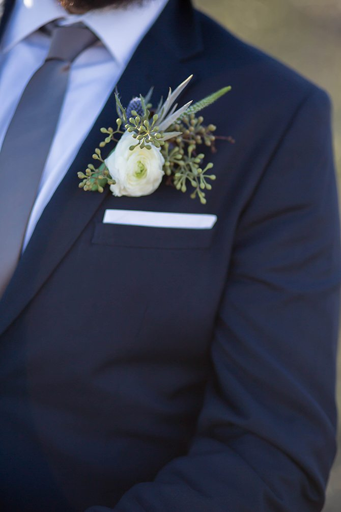 Groom buttonhole | Geometric Wedding Inspiration | Unfaded Beauty Photography