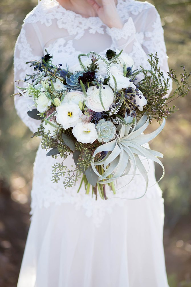 Muted grey bridal bouquet | Geometric Wedding Inspiration | Unfaded Beauty Photography