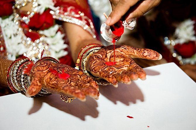 Hindu wedding hand paint | Colourful Asian Inspired Hindu Wedding | HRM Photography