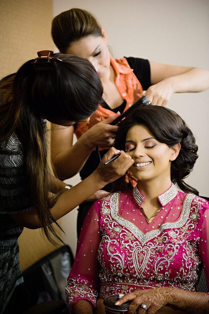 Bride getting ready | Colourful Asian Inspired Hindu Wedding | HRM Photography