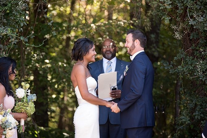 Wedding ceremony | Autumn wedding in North Carolina | Yasmin Leonard