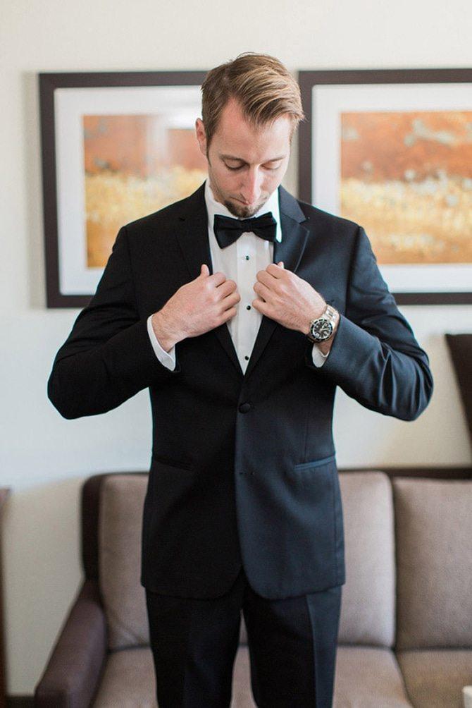 Groom before wedding | Lake Side Wedding | Krystal Balzer Photography