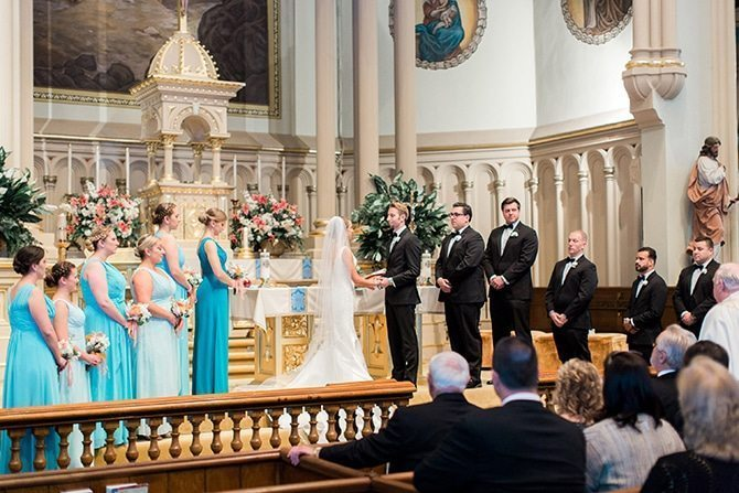 Couple at altar | Lake Side Wedding | Krystal Balzer Photography