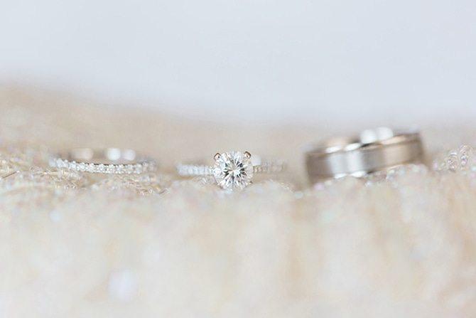 Wedding rings | Lake Side Wedding | Krystal Balzer Photography