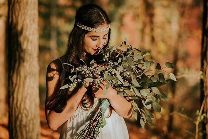 Bride in woods   Redtop Mountain Bride   Hellen Oliveira Photography