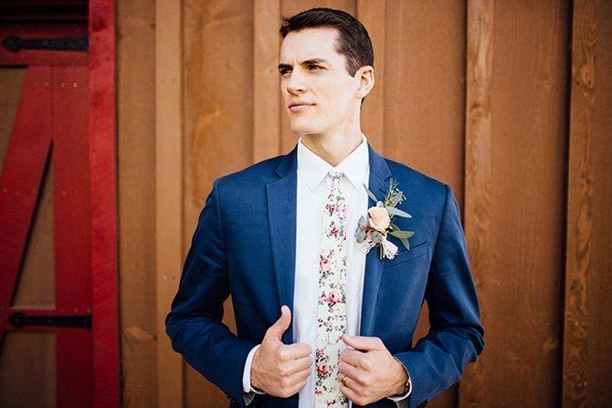 Modern rustic groom | Charming Barn Wedding | Kate Olson Photo