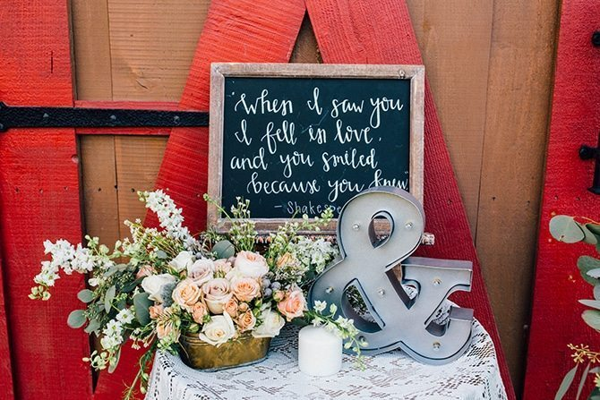 Rustic wedding decor | Charming Barn Wedding | Kate Olson Photo