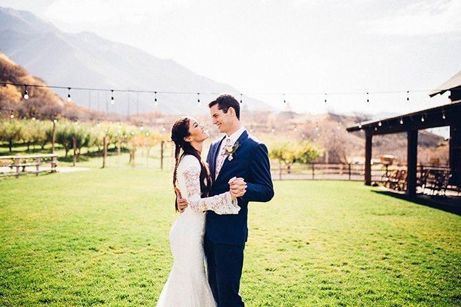 Wedding in a barn | Charming Barn Wedding | Kate Olson Photo