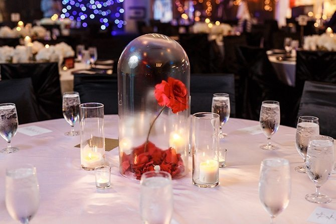 Wedding table with roses | Downtown Wedding in Edmonton | Shandro Photo