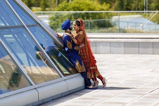Modern wedding picture | Downtown Wedding in Edmonton | Shandro Photo