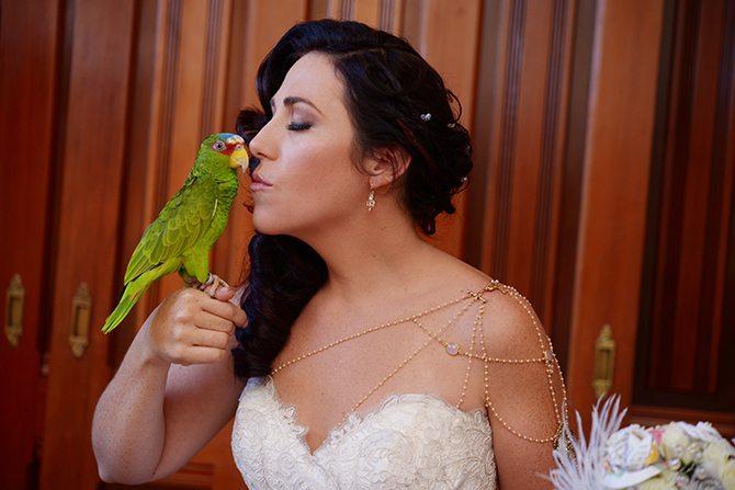 Bride with lovebird | Magical California Mansion Wedding VeroLuce Photography
