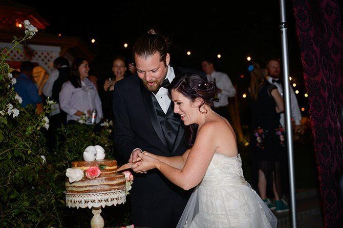 Cutting the cake | Magical California Mansion Wedding VeroLuce Photography