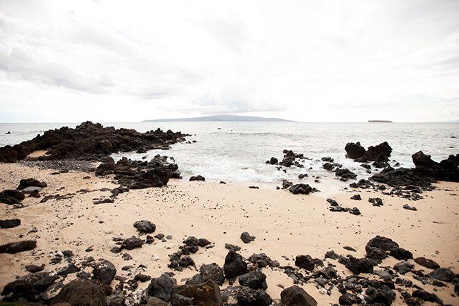 Beachside wedding | Intimate Hawaiian Beach Wedding | Joanna Tano Photography
