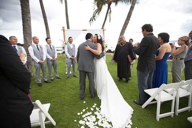 Bride arriving at ceremony | Intimate Hawaiian Beach Wedding | Joanna Tano Photography