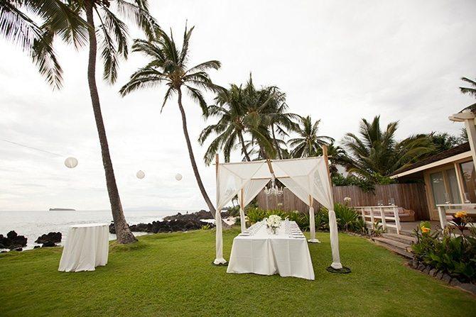 Intimate wedding on the beach | Intimate Hawaiian Beach Wedding | Joanna Tano Photography
