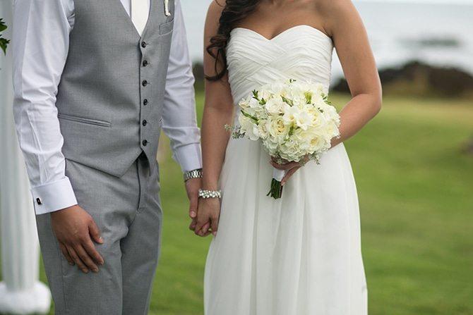 Hawaiian wedding | Intimate Hawaiian Beach Wedding | Joanna Tano Photography