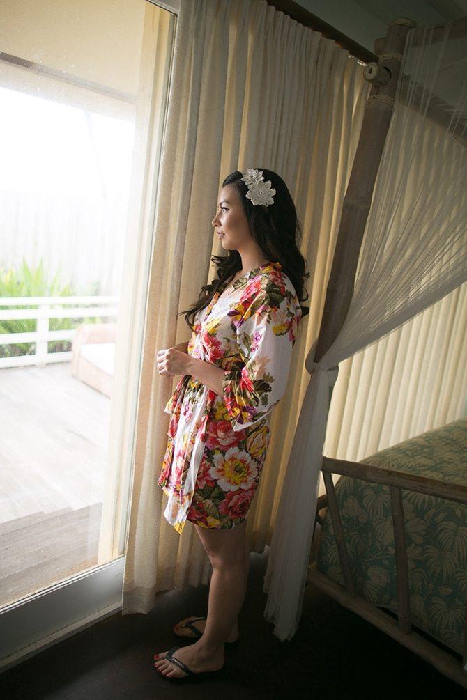 Bride getting ready | Intimate Hawaiian Beach Wedding | Joanna Tano Photography