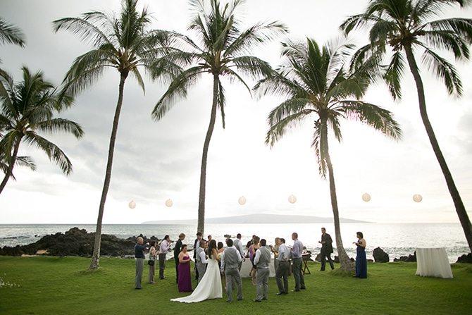 Wedding reception drinks | Intimate Hawaiian Beach Wedding | Joanna Tano Photography