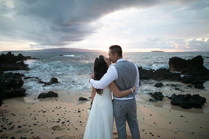 Wedding couple on the beach | Intimate Hawaiian Beach Wedding | Joanna Tano Photography